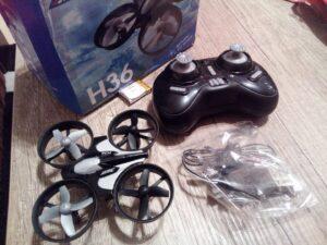 Odolný mini dron JJRC H36 z Aliexpress 3