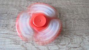 Fidget-spinner-Captain-America-svítíci-hvězdy-2-Aliexpress-300×169