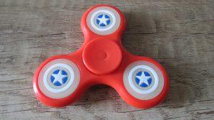 Fidget-spinner-Captain-America-svítíci-hvězdy-Aliexpress-300×169