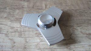 Fidget-spinner-kovový-luxusní-Aliexpress-300×169