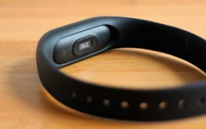 Xiaomi-Mi-Band-2-Aliexpress-2-300×188